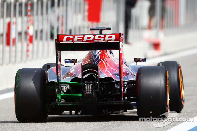 Jean-Eric Vergne, Scuderia Toro Rosso STR9 con vernice flow-vis sulla sospensione posteriore