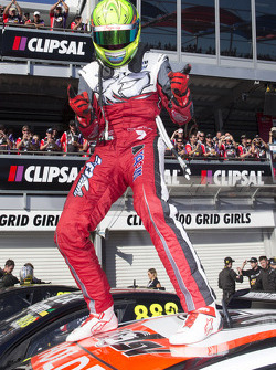 Race winner James Courtney, Holden Racing Team