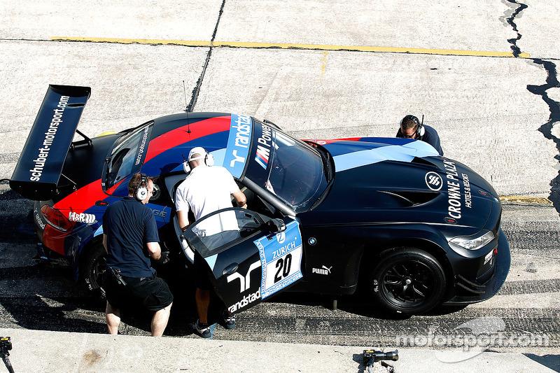 #20 宝马 Z4 GT3 参与纽博格林24小时赛