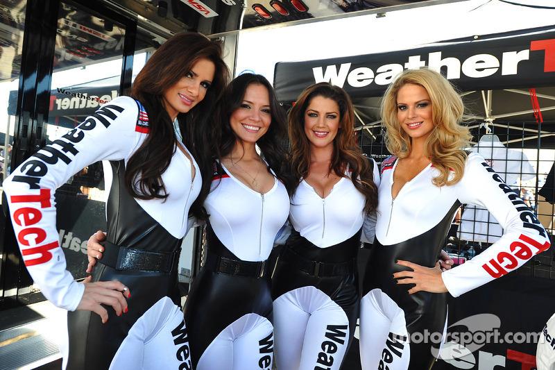 Le belle ragazze WeatherTech