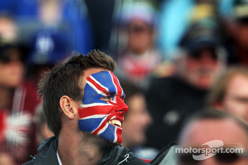 Un británico, fanático de las carreras