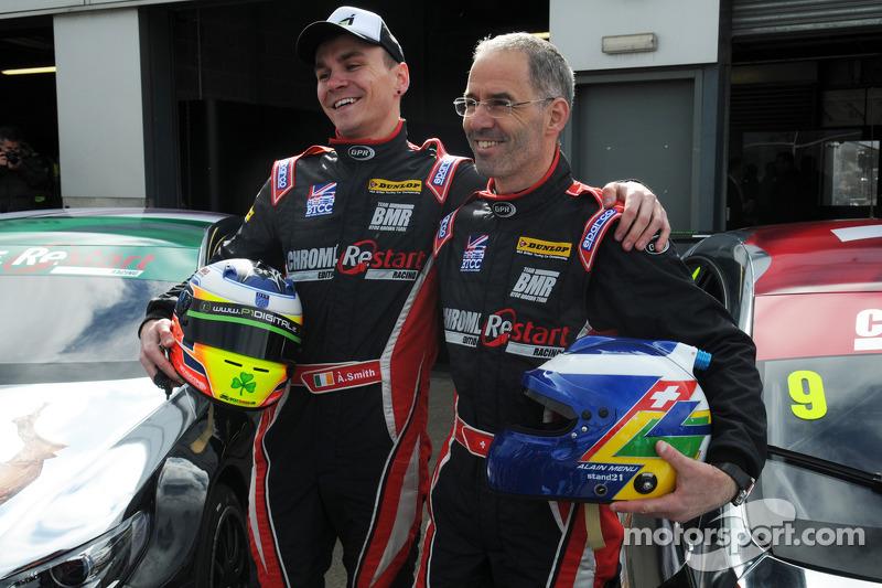 Chrome Edition Restart Racing çifti Aron Smith ve Alain Menu
