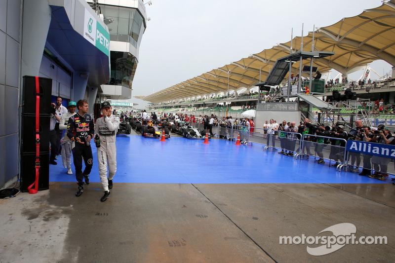 Sebastian Vettel, Red Bull Racing; Nico Rosberg, Mercedes AMG F1 Team