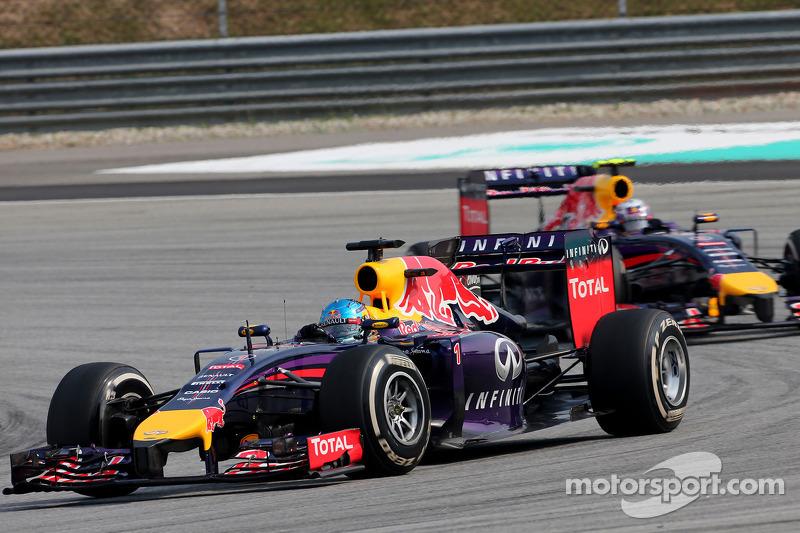 Sebastian Vettel (GER), Red Bull Racing; Daniel Ricciardo (AUS), Red Bull Racing 30