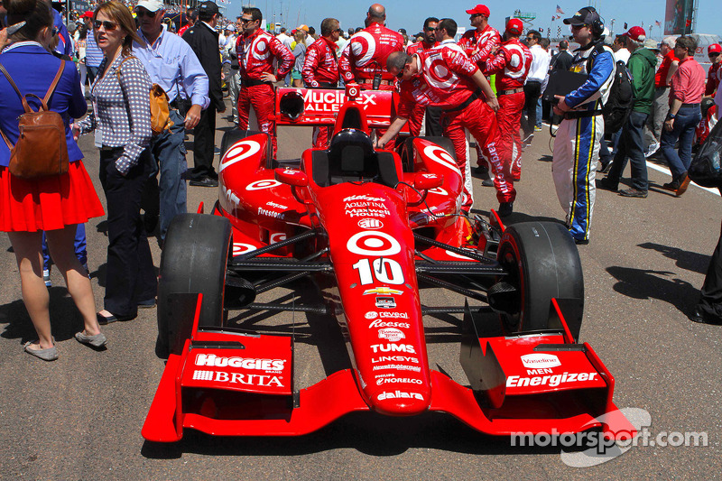 Car of Tony Kanaan, Target Chip Ganassi Racing Chevrolet