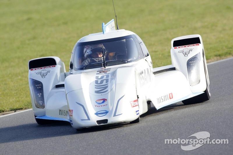 Wolfgang Reip prova la Nissan ZEOD RC