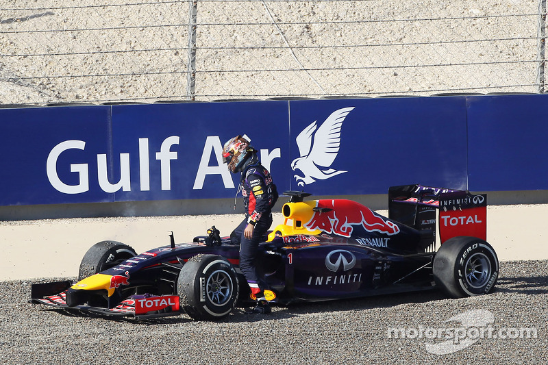 Sebastian Vettel, Red Bull Racing RB10 spins off the circuit in FP3