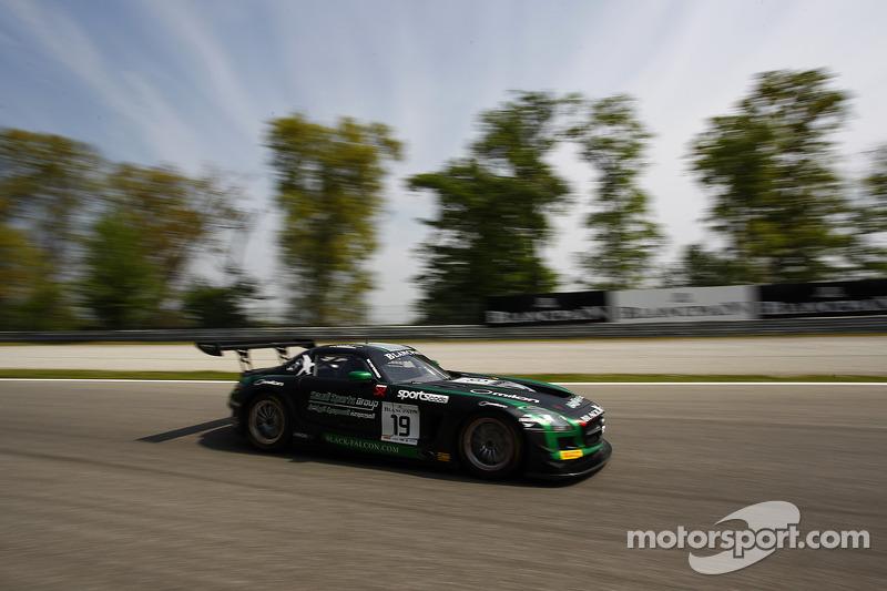 #19 Black Falcon 梅赛德斯 SLS AMG GT3: 胡贝·豪普特, 阿卜杜拉兹·阿尔费萨尔, 安德利亚斯·西蒙森