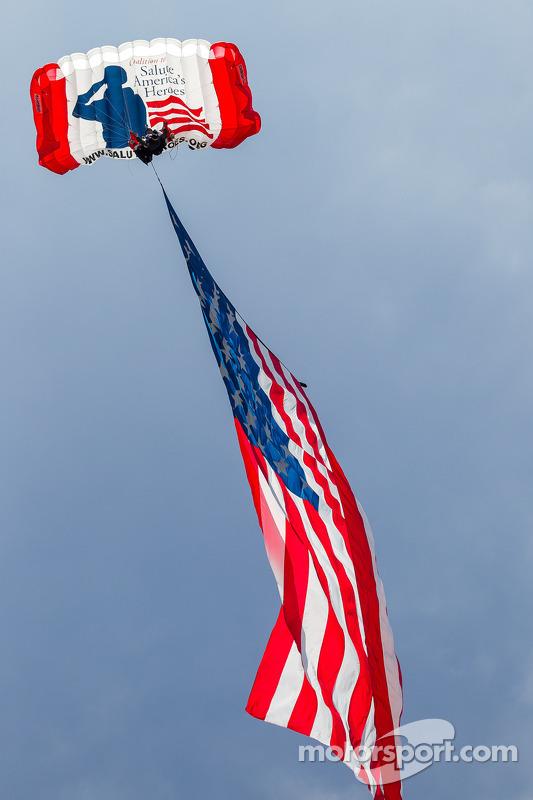 Bayrak piste giriyor
