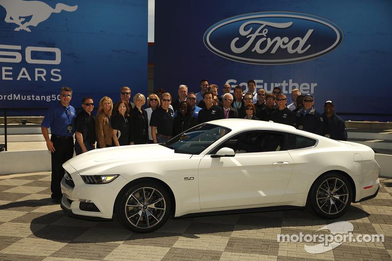 Ford Motor Şirketi Mustang'in 50. yıldönümünü kutluyor