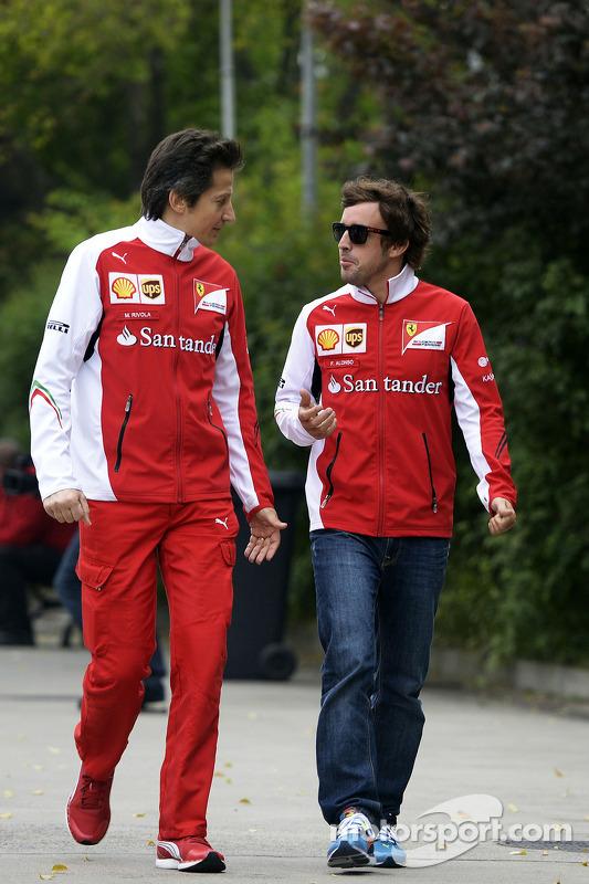 Fernando Alonso avec Massimo Rivola