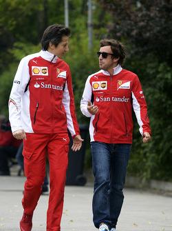Fernando Alonso, Ferrari, com Massimo Rivola, Ferrari