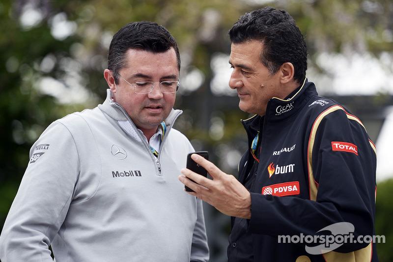 Eric Boullier, McLaren Yarış Direktörü ve Federico Gastaldi, Lotus F1 Takımı Yardımcı Takım Patronu.