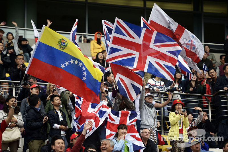 Fans and flags.