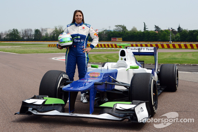 Simona de Silvestro prova la Sauber F1