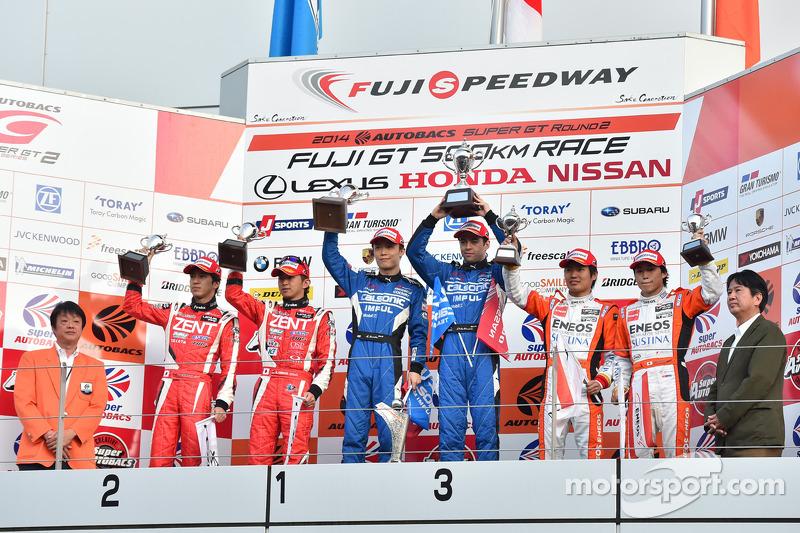 GT500 podio: vincitori Hironobu Yasuda, Joao Paulo de Oliveira, il secondo posto Yuji Tachikawa, Koh