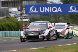 Gianni Morbidelli, Chevrolet Cruze RML TC1, ALL-INKL_COM Munnich Motorsport e Tiago Monteiro, Honda Civic WTCC, Castrol Honda WTCC team