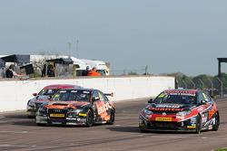 Marc Hynes, Quantel Bifold Racing and Rob Austin, Exocet Racing