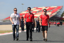 Adam Carroll, e Dave O'Neill, Marussia F1 Team Manager
