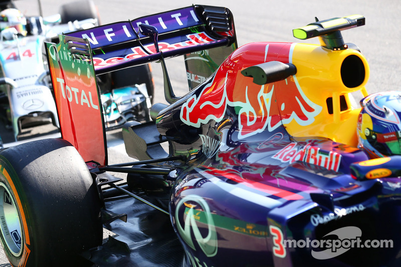 Daniel Ricciardo, Red Bull Racing RB10 rear wing