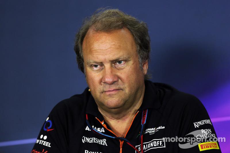 Robert Fernley, Sahara Force India F1 Team Equipo Adjunto Principal en la Conferencia de prensa de la FIA