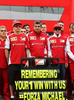 (Da sinistra a destra): Kimi Raikkonen, Ferrari, Marco Mattiacci, Ferrari Team Principal, Fernando Alonso, Ferrari e il Team Ferrari ricordano il GP di Spagna del 1996 a Barcelona, dove Michael Schumacher, vinse il suo primo GP con la Ferrari