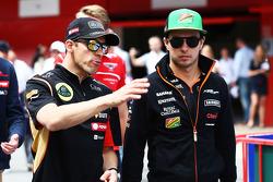 (Da sinistra a destra): Pastor Maldonado, Lotus F1 Team con Sergio Perez, Sahara Force India F1 alla parata dei piloti