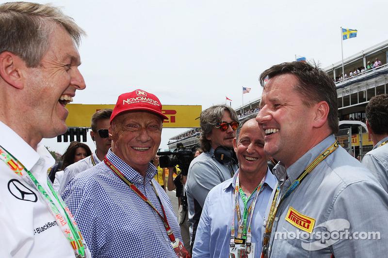 (L to R): Niki Lauda, Mercedes Non-Executive Chairman with Alberto Pirelli, Pirelli Deputy Chairman