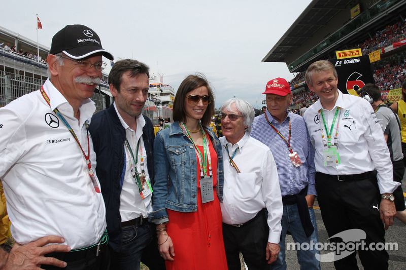 Dr. Dieter Zetsche, Bernie Ecclestone, and Niki Lauda, Mercedes Non-Executive Chairman on the grid