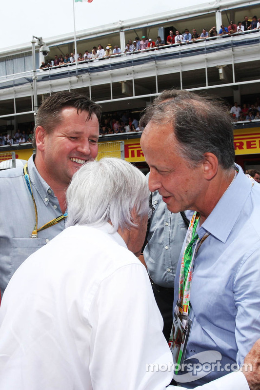 (L to R): Bernie Ecclestone, with Paul Hembery, Pirelli Motorsport Director and Alberto Pirelli, Pir