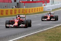 Kimi Raikkonen, Scuderia Ferrari and Fernando Alonso, Scuderia Ferrari