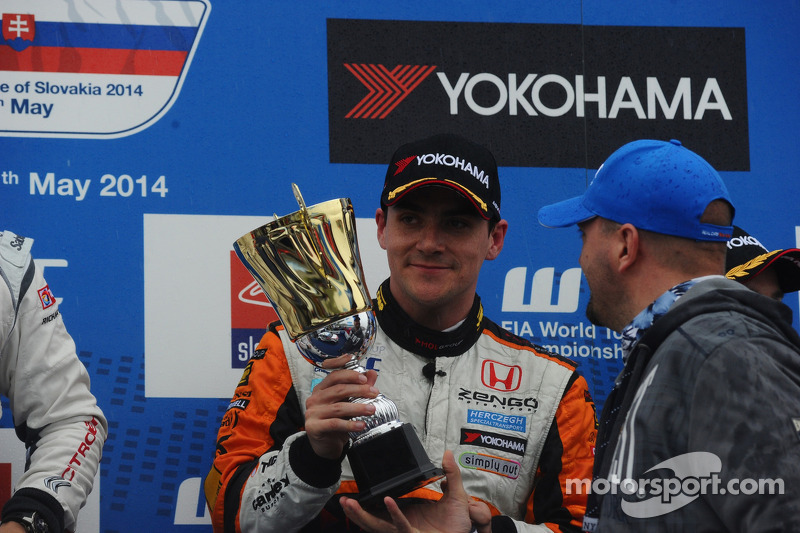 Terzo posto Norbert Michelisz, Honda Civic WTCC, Zengo Motorsport