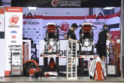 Honda Team Asia garage