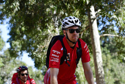 Sebastian Vettel, Ferrari en una bici