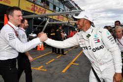 Pole sitter Lewis Hamilton, Mercedes-AMG F1 celebrates in parc ferme with James Allison, Mercedes AMG F1 Technical Director