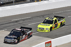 Noah Gragson, Kyle Busch Motorsports, Toyota Tundra Safelite, Matt Crafton, ThorSport Racing, Ford F-150 Ideal Door/Menards