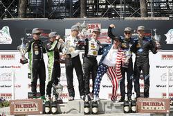 Podio: segundo puesto Scott Sharp, Ryan Dalziel, ESM Tequila Patrón, ganadores Joao Barbosa, Filipe Albuquerque, Action Express Racing, tercer lugar Renger van der Zande, Jordan Taylor, Wayne Taylor Racing