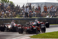 Timo Glock, Toyota TF108, Jarno Trulli, Toyota TF108, Felipe Massa, Ferrari F2008