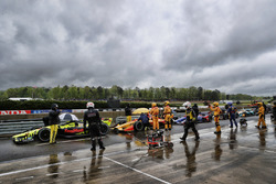 Rote Flagge: Sébastien Bourdais, Dale Coyne Racing with Vasser-Sullivan Honda, Ryan Hunter-Reay, Andretti Autosport Honda