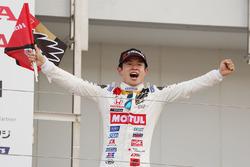 Podium: race winner Naoki Yamamoto, Team Mugen