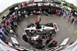 Yarış galibi Josef Newgarden, Team Penske Chevrolet