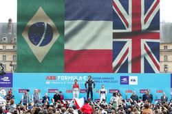 Победитель Жан-Эрик Вернь, Techeetah, второе место – Лукас ди Грасси, Audi Sport ABT Schaeffler, третье место – Сэм Бёрд, DS Virgin Racing