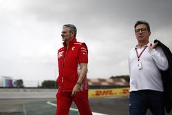 Руководитель Ferrari Маурицио Арривабене и председатель Philip Morris Луи Камильери