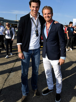 Lucas di Grassi, Audi Sport ABT Schaeffler, places 2nd.David Coulthard, TV Presenter, withToto Wolff, Executive Director (Business), Mercedes AMG