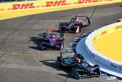 Митч Эванс, Jaguar Racing, Алекс Линн, DS Virgin Racing, и Маро Энгель, Venturi Formula E Team