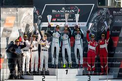 Podio Pro-AM: ganador #49 Ram Racing  Mercedes-AMG GT3: Salih Yoluc, Euan Hankey, Darren Burke, ssegundo lugar #42 Strakka Racing Mercedes-AMG GT3: Nick Leventis, Chris Buncombe, Lewis Williamson, tercer lugar #51 AF Corse Ferrari 488 GT3: Duncan Cameron, Matt Griffin