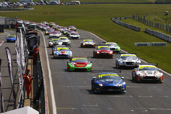 #11 TF Sport Aston Martin V12 Vantage GT3: Mark Farmer, Nicki Thiim leads at the start