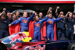 Christian Klien, Red Bull Racing, David Coulthard, Red Bull Racing