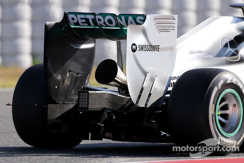Novo escaamento megafone na Mercedes GP