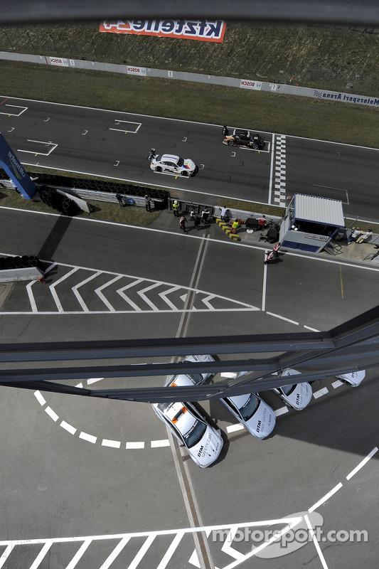 Martin Tomczyk, BMW Team Schnitzer, BMW M4 DTM, Pascal Wehrlein, gooix Mercedes AMG, Mercedes DTM AM